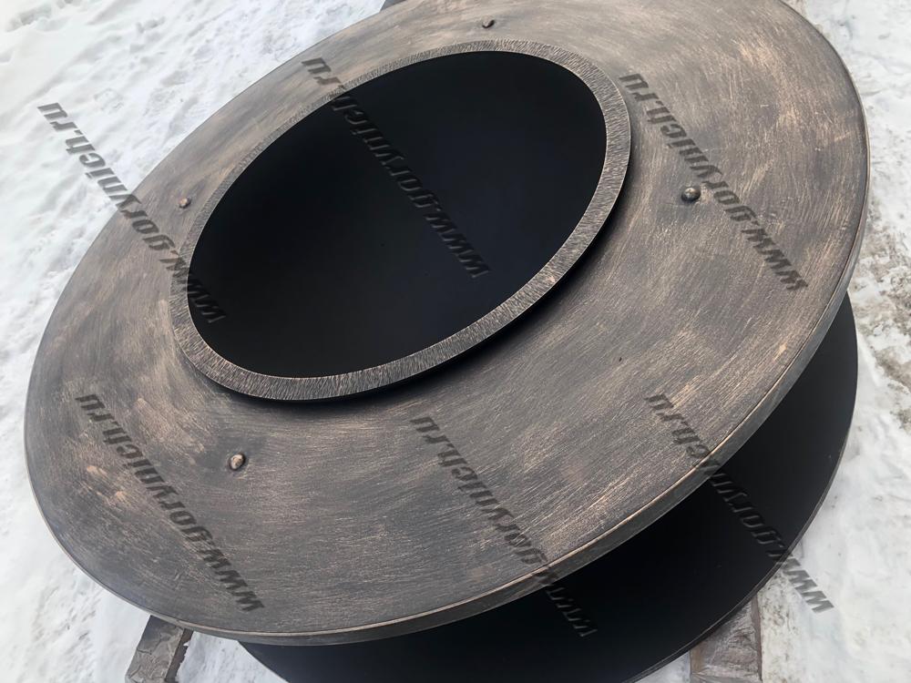 Очаг для костра «Кольца Сатурна- 2» с металлической столешницей и дровником