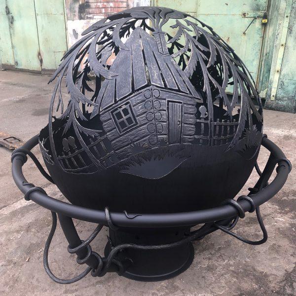 Уличный очаг - сфера с зольником и кованым обручем «Избушка в лесу»