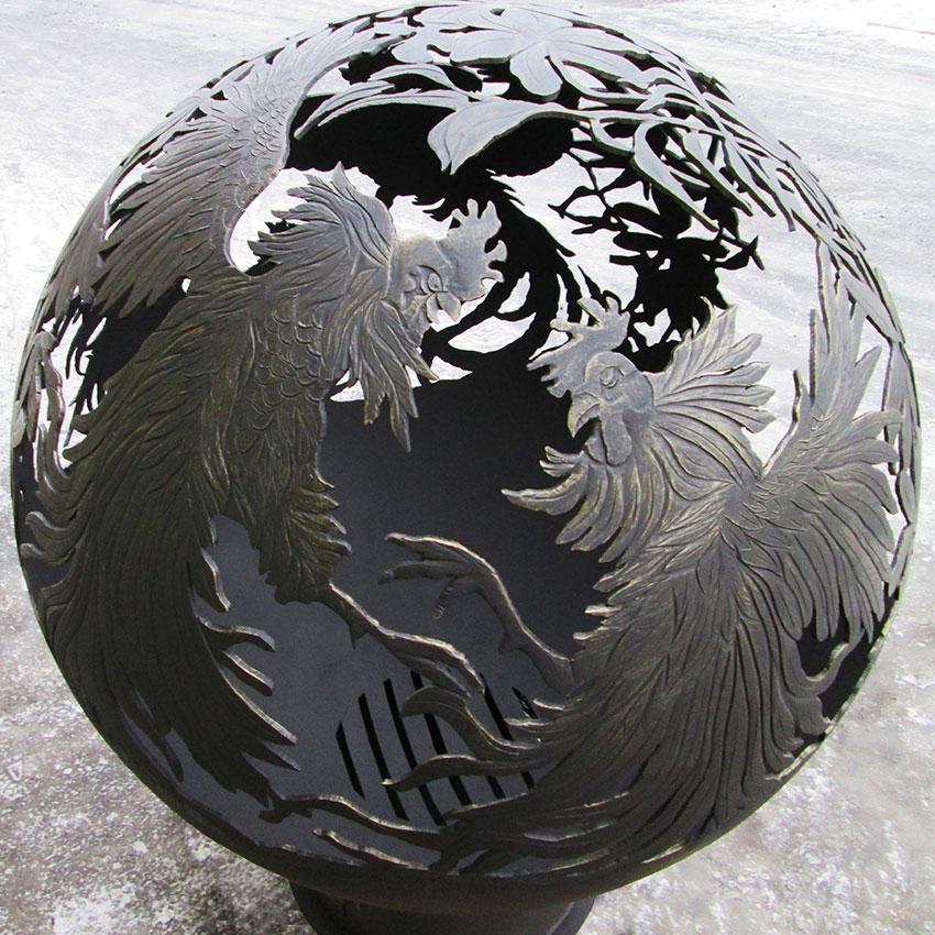 Очаг для костра в виде сферы «Бой огненных петухов»