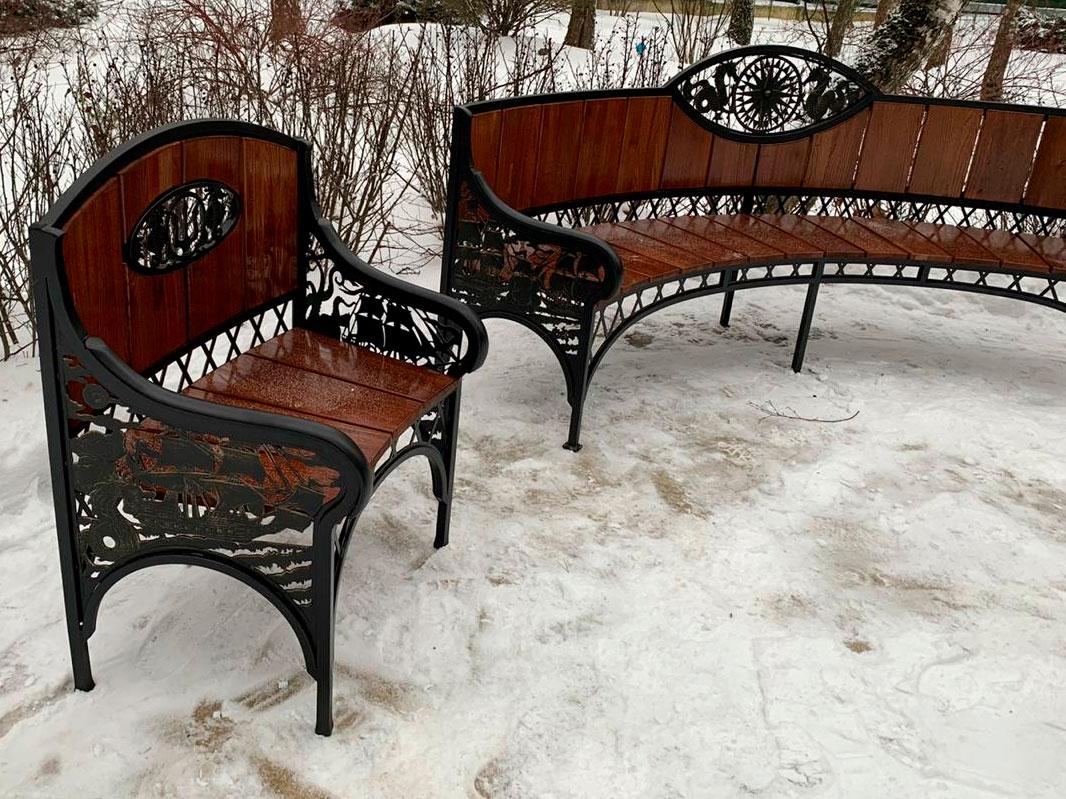 Кованая скамейка и кресло